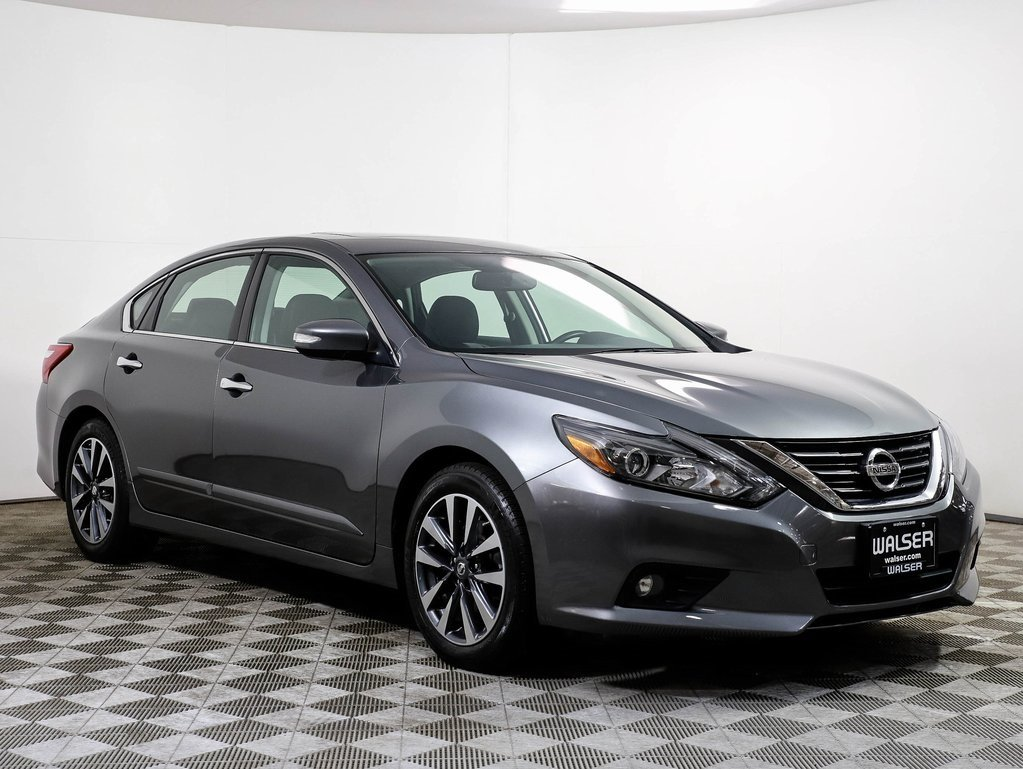 Certified Pre-Owned 2017 Nissan Altima 2.5 SL TECHNOLOGY PKG MOONROOF HTD LEATHER NAV