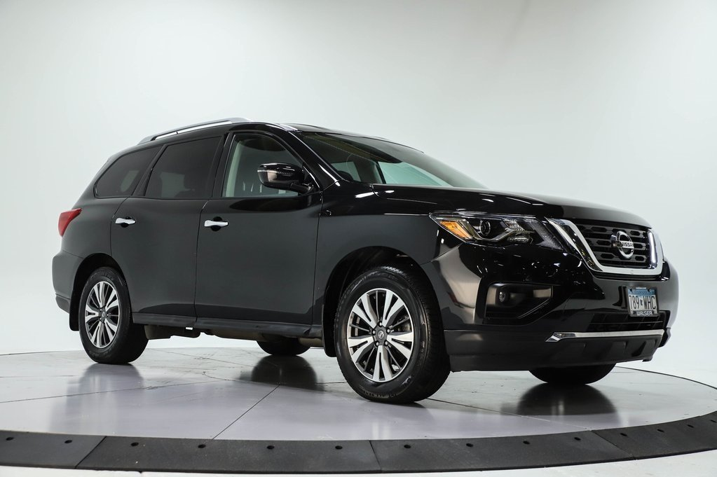 Certified Pre-Owned 2017 Nissan Pathfinder SV 4WD COLD WEATHER PKG