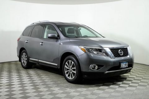 Certified Pre-Owned 2016 Nissan Pathfinder SL 4WD DVD