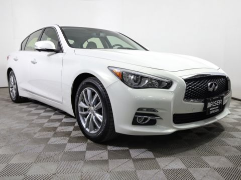 Pre-Owned 2015 INFINITI Q50 DELUXE TOURING CAMERAS NAV BOSE HTD LTHR NEW TIRES